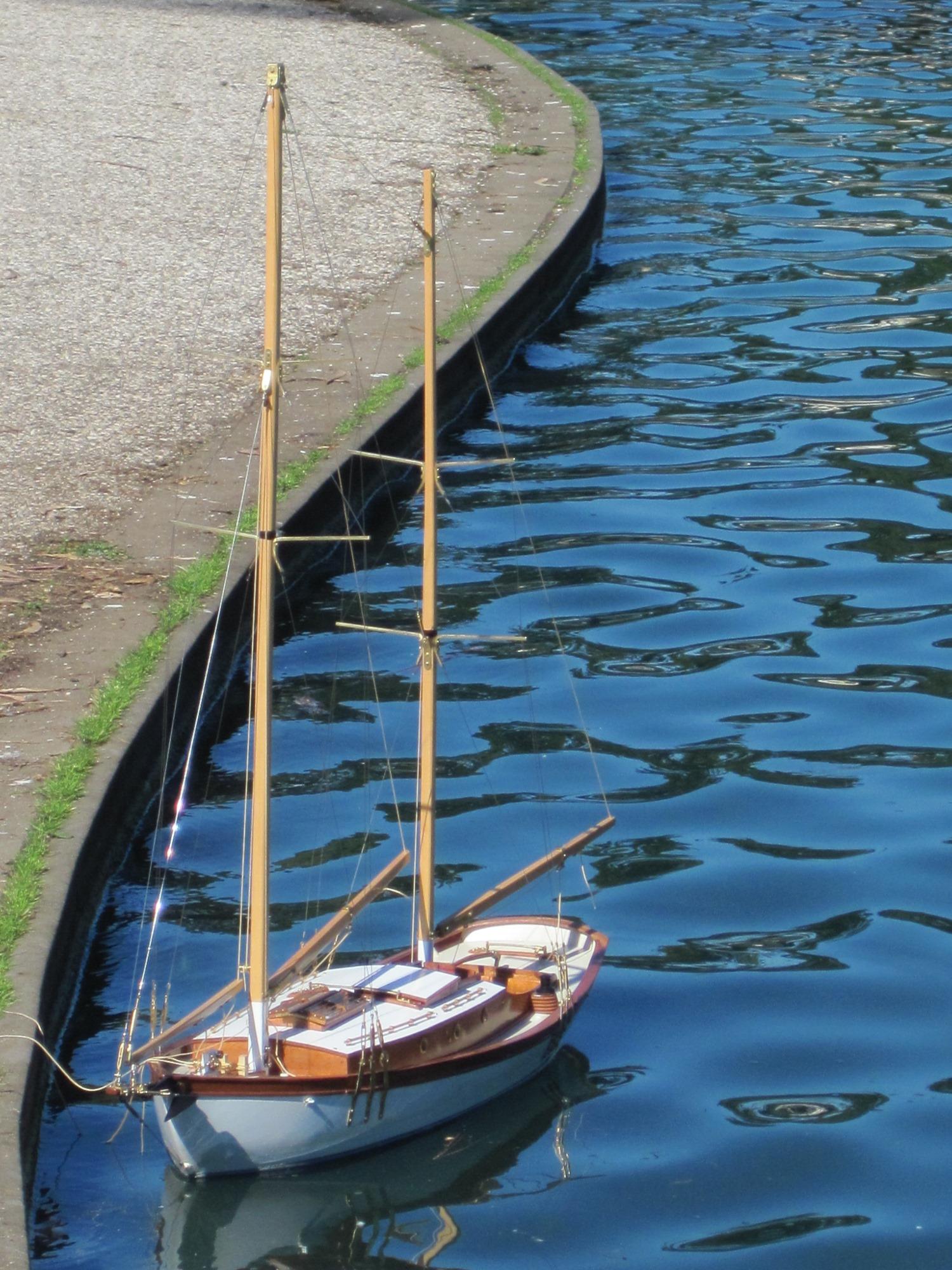Model floating-1500