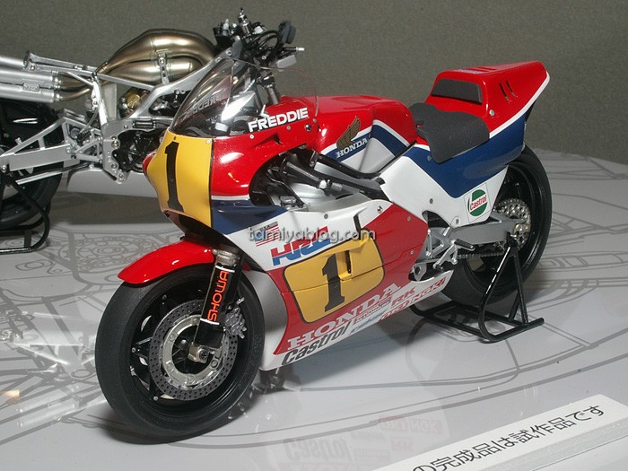 Ducati Motorcycle Model Kits